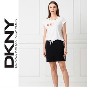 NWT DKNY Sport Graphic Short Sleeve T-Shirt Size L